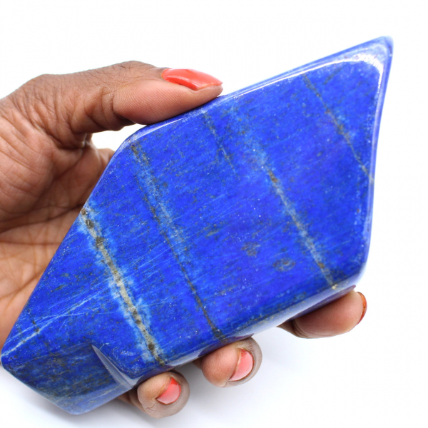 Polished lapis lazuli for decoration
